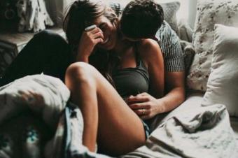 Vivo con mi novio… pero dormimos en recámaras separadas.
